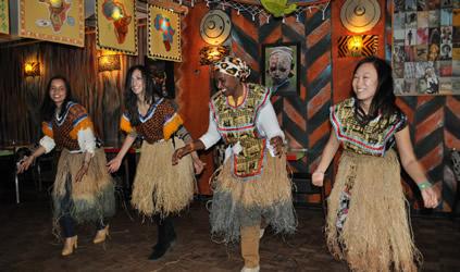 Workshop Afrikaanse dans op locatie| vrijgezellenfeest op ...